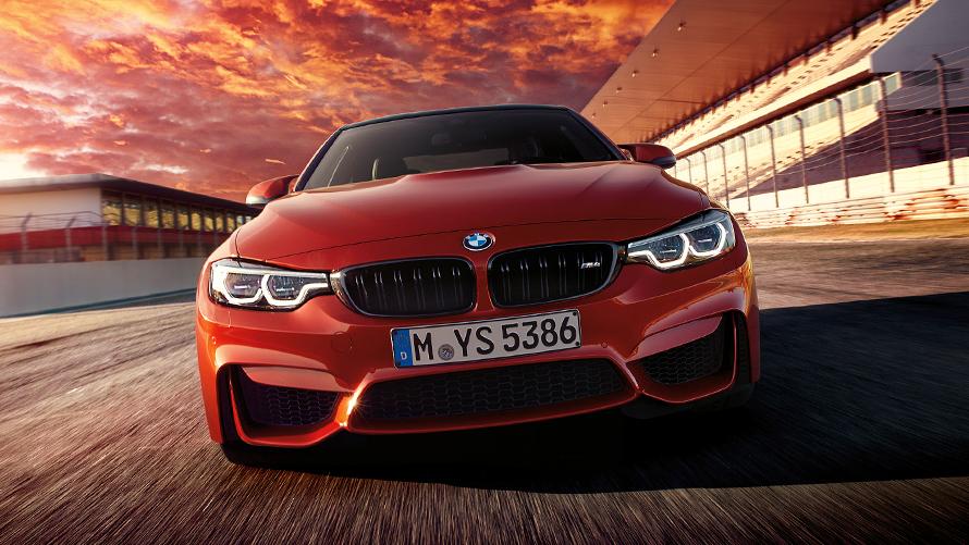 BMW M4 クーペ:イントロダクシ...